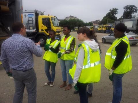 5 filles à Europe déchets services